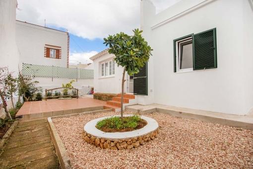 Casa recién reformada con terraza, patio y a sólo 5 minutos de la playa en Punta Prima
