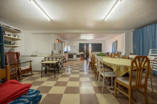 Große Garage/Apartment