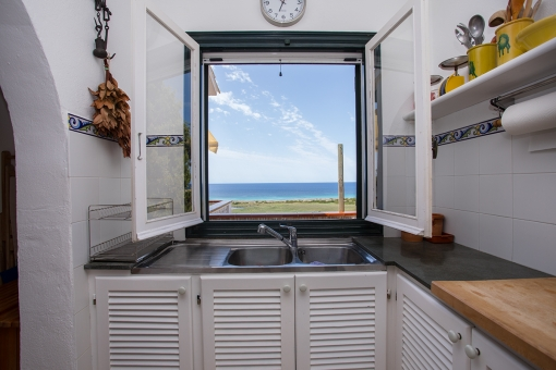 Küche mit herrlichen Meerblick