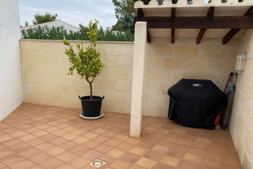 Large terrace with barbecue area
