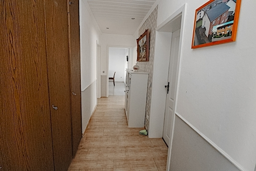 Spacious corredor in the ground floor