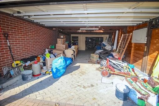 Großzügige Garage