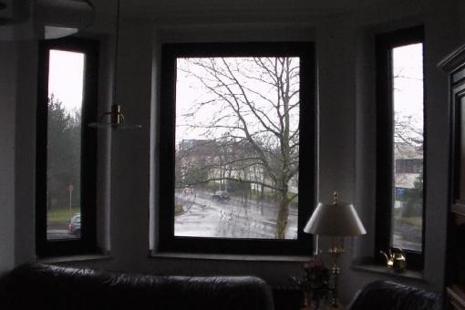 Charmanter Altbau mit Flair! Hohe Decken, toller Erker! 4 Zimmer Wohnung in Ratingen-Tiefenbroich!