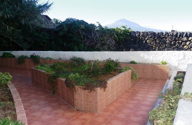 The prominent sheltered terrace for a any occasion