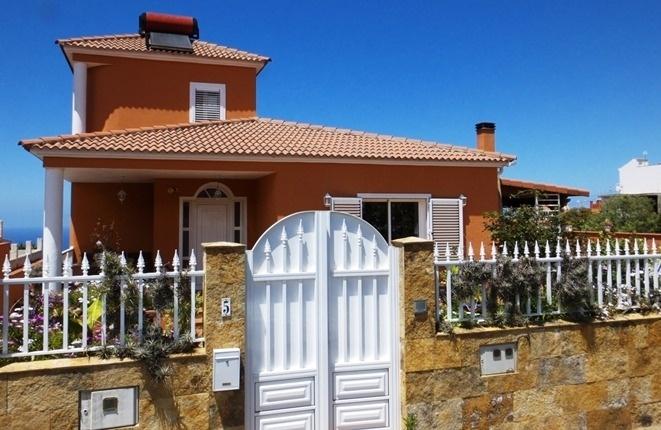 Hochwertig ausgestattete Villa mit Pool und Meerblick zu erschwinglichem Preis in El Sauzal