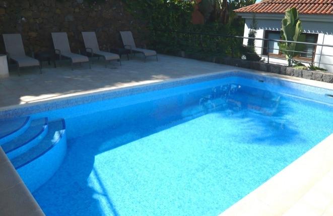 Pool-Santa_Ursula-Garten-Chalet-Terrasse