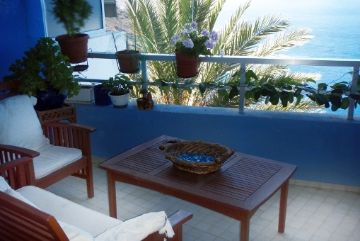 Quiet balcony with Teide and sea view