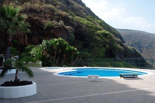 Community pool with sun terrace