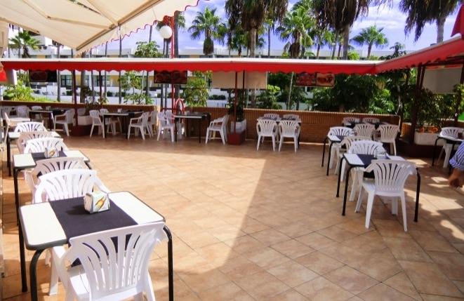 Terrasse-Lokal-Promenade-Costa_Adeje