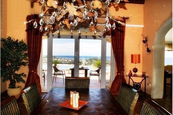 The spectacular dining room with beautiful chandelier
