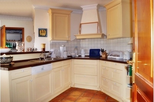The spacious, modern kitchen