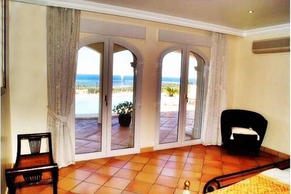 Paradise-like views to the sea from the bedroom