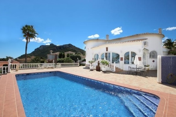 Luxurious villa with magnificent views to the sea in very popular residential area